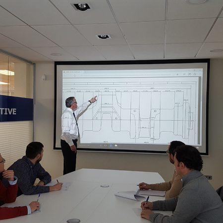 Sala de reuniones ingeniería JG Automotive