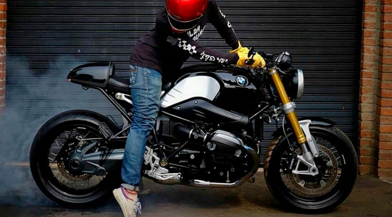 "Bmw Nine T Pure >> The ""café racer"" style, classic sports bike, extends to all brands. The BMW R Nine T is the ..."